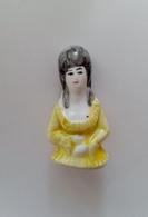 Grosse Fève Ancienne Buste De Femme Marquise ( 4,5 Cm ) - Characters