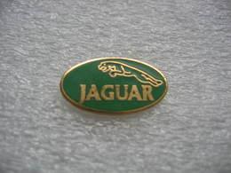 Petit Pin's Avec Le Logo Jaguar - Jaguar