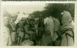AFRICA ITALIANA - LIBYA - TARHUNA - MERCATO / MARKET - FASCIST SOLDIERS - RPPC POSTCARD 1910s (BG3796) - Libya