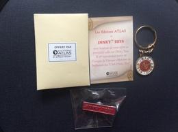 1 PIN'S & 1 PORTE-CLÉS DINKY TOYS  Editions Atlas - Dinky