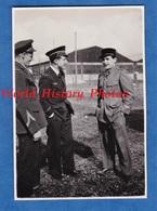Photo Ancienne Snapshot - Aérodrome / Aéroport à Situer - Aviateur & Officier Service De Santé ? - Pilote Aviation - Guerre, Militaire