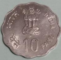 India Inde Indien..1982 ..10 Naye  Paisa EF. - India