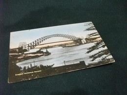 PICCOLO FORMATO AUSTRALIA PONTE BRIDGE SYDNEY NARBOUR NAVE SHIP  RIMORCHIATORE PIEGA ANG. 1 FRANCOBOLLO RIMOSSO - Sydney