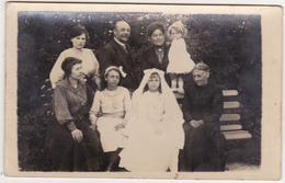 CARTE PHOTO - Famille (Communiante) 1917 - Fotografia