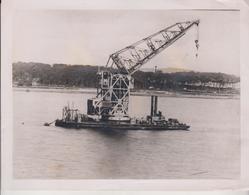 WONDERFUL FLOATING CRANE   21*16CM Fonds Victor FORBIN 1864-1947 - Barcos