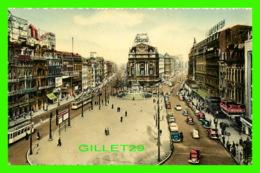BRUXELLES, BELGIQUE - LA PLACE DE BROUCKÈRE - ANIMÉE DE VIEILLES VOITURES - - Places, Squares
