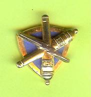 Pin's 3D (À Identifier S.V.P.) - 5GG15 - Badges