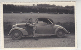 MERCEDES Cabrio Um 1950 Mit Frau In Uniform Und Ein Bild Mit Mann - Voitures De Tourisme