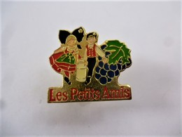 PINS  FROMAGE MUNSTER LES PETITS AMIS /ALSACE /  33NAT - Food