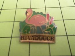 918b Pin's Pins / Beau Et Rare : THEME : ANIMAUX / FLAMANT ROSE RIVADOUCE ROSEAUX - Animals