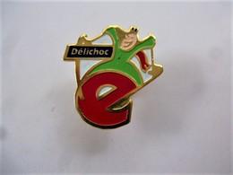 PINS DELICHOC LETTRE E /  33NAT - Food
