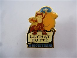 PINS BISCUITERIE LE CHAT BOTTE CONTE CHARLES PERRAUT /  33NAT - Food