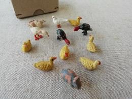 Lot De Petits Animaux Anciens En Terre Cuite, Canards, Oie, Pigeon Miniatures, Jouets De La Ferme - Populaire Kunst