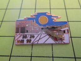 1012b Pin's Pins / Beau Et Rare : THEME : TRANSPORTS / GARE  DEPOT DE METZ 23 24 AVRIL 92 - Transportation