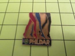 1015a Pin's Pins / Beau Et Rare : THEME : MARQUES / BAS COLLANTS PHILDAR (Coucou Lina) - Trademarks