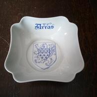 Porcelaine De Limoges Peinte Par Ets Caudron à Arras - Altre Collezioni