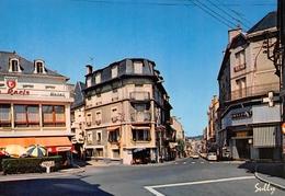 USSEL - Le Carrefour Et L'avenue Carnot - Hôtel De Paris - Magasin Omniprix - Photo Sully, Bort - Ussel
