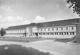 USSEL - Le Collège Moderne - R. Blanchot Architecte - Ussel