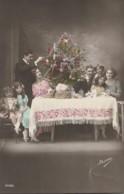 CPA – PRÉPARATION DU SAPIN EN FAMILLE - Weihnachten