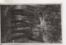 Cpa.Photo.trois Hommes En Tenues Militaires - Fotografia