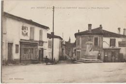 Beguey  33  Pres De Cadillac-sur-Garonne _La Place Pierre Laffite Animée -Tabac-Coiffeur Et Café - France