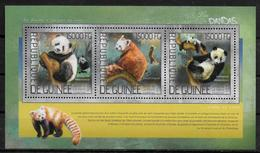 GUINEE Feuillet  N° 7470/73 * *  ( Cote 25e )  Ours Panda - Ours