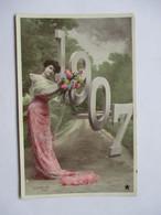 1907 -     FEMME AU BOUQUET            PHOTO  STEBBING           TTB - Nouvel An