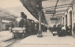 Gare De BELLEGARDE - Arrivée De L'Express De Genève Et Visite De La Douane - France
