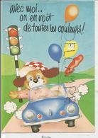 """Petit Chien Au Volant, Ballons Et Feu Tricolore: """"Avec Moi, On En Voit De Toutes Les Couleurs!"""" - Animaux Habillés"""
