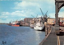 ¤¤  -   NANTES   -  Vue Sur Le Port  -  Bateaux , Cargos      -  ¤¤ - Nantes