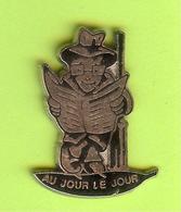 Pin's Au Jour Le Jour - 5GG20 - Badges