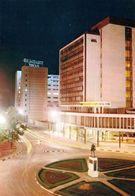 1 AK Tansania * Dar Es Salaam (auch Daressalam) Bei Nacht - Bis 1974 Hauptstadt - Heute Regierungssitz HOA-QUI Karte * - Tansania