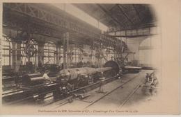 CPA Précurseur (Le Creusot) - Etablissements De MM. Schneider Et Cie - Chambrage D'un Canon De 24 C/m - Le Creusot