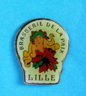 1 PIN'S //  ** BRASSERIE DE LA PAIX / LILLE ** - Bière