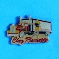 1 PIN'S //  ** CHEZ PIERRETTE / PLOUAGAT / BRETAGNE ** - Transportation