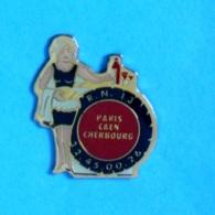1 PIN'S //  ** ROUTIER RN13 / PARIS CAEN CHERBOURG ** - Transportation