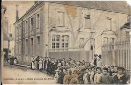 D37 - LIGUEIL - ECOLE PUBLIQUE DES FILLES - Nombreux Enfants - Quelques Femmes - Francia
