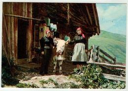 Vaches // Vache Et Paysannes En Costume Valaisan De Val D'alliez - Vaches