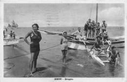 """M08323 """"RIMINI-SPIAGGIA""""ANIMATA-BAGNANTI-BARCHE A VELA-MOSCONE-CARTOLINA  ORIG. SPED. 1935 - Rimini"""