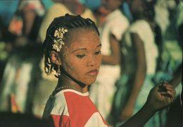 CARTE POSTALE - MAYOTTE - PARURE ET MAQUILLAGE DE FETE - Mayotte