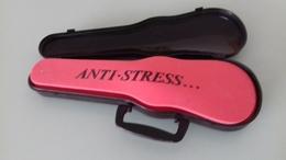 ETUI A VIOLON ANTI-STRESS BISQUIT - PAR DARMON - Miniatures