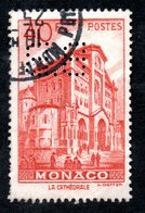 MONACO -- Timbre Perforé Perfin -- B B 15 - 15 -- 40 F.rouge La Cathédrale - Errors And Oddities