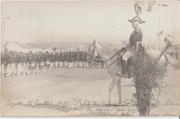 BIZERTE - Carte Photo Défilé Détachement Du Génie Conduit Par La Clique Des Zouaves Devant Le Gal. Delarue Le 14-07-1907 - Tunisia