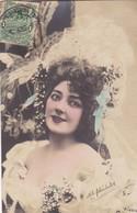 1903 CPA. YOUNG WOMAN FOLK DRESSED HAT SHAPEAU COLORISE. CIRCULEE URUGUAY- BLEUP - Femmes