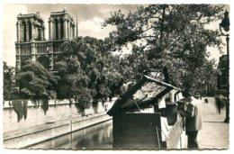 75005 PARIS - Bouquinistes Quai Saint-Michel - CPSM 9x14 Postée En 1955 - District 05