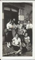 Photo - Personnages Divers Devant Une Porte Année 1935/40 - Non Classificati