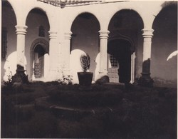 SEGOVIE EL PARRAL Petit Cloître ESPAGNE 1954 Photo Amateur Format Environ 7,5 X 5,5 Cm - Lugares