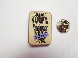 Beau Pin's , Coupe Omnisports , 1972 - 1992 , 20 Ans - Badges