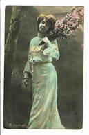 CPA - Carte Postale-Belgique - Photographie : Jeune Dame En Robe Longue Avec Son Bouquet -1905-VM4631 - Fotografia