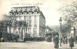 N°74181 -cpa Lyon -hôtel Terminus - Tramways- - Tramways